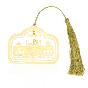 Orchid Red Fort 3D Car Hanging with Thread Gift Set